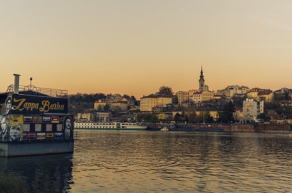 ghid calatorie serbia