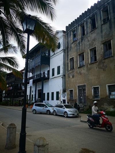 povesti din zanzibar, Povești din Zanzibar: pe ritmuri lente în Africa de Est